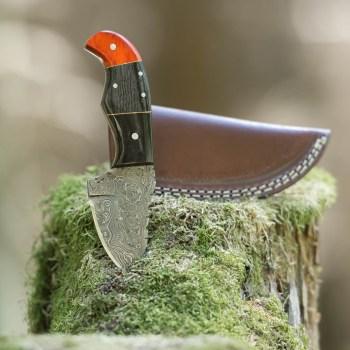 eltoro-skinner-horn-haeutemesser-aus-damaszener-stahl-82cm-inkl-lederscheide